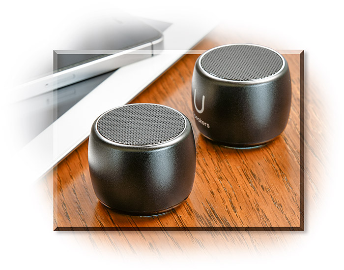 Dual U-Speakers - Pairable blue tooth speakers - small but powerful.