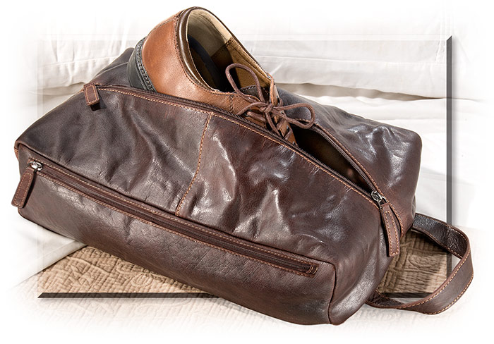Men's low profile leather shoe bag