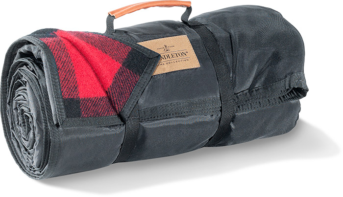 PENDLETON ROLL UP BLANKET- RED/BLACK ROB ROY TARTAN PATTERN - BLACK NYLON BACKING - DRY CLEAN ONLY