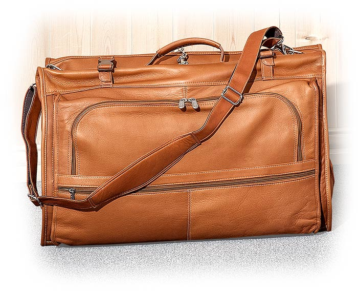 Tri-Fold Vaquetta Leather Garment Bag