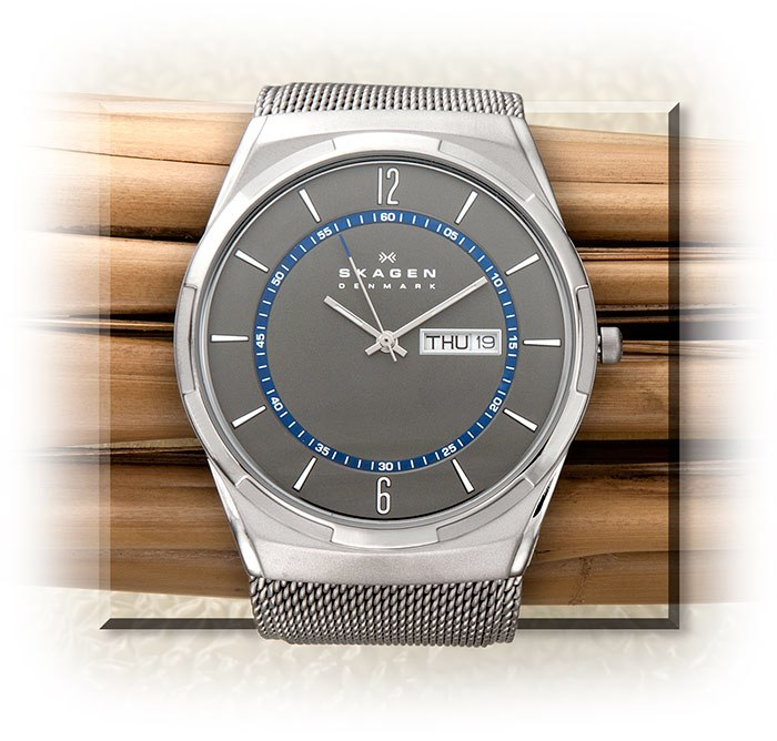 Titanium Wristwatch with Steel Mesh Band