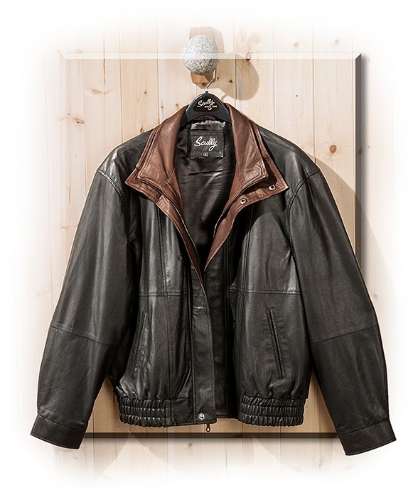 MENS BLACK LEATHER COAT W/BROWN COLLAR - TALL - LARGE - SPECIAL ORD CHEST 50
